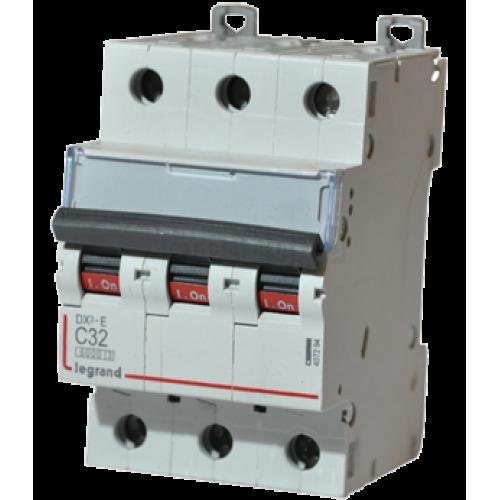 Автоматический выключатель Legrand  DX3-E C32 3П 6kA (407294) 407294